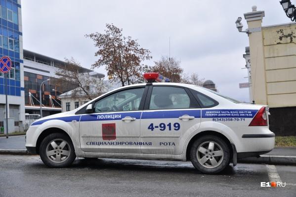 Водитель сбил инспектора, который его остановил