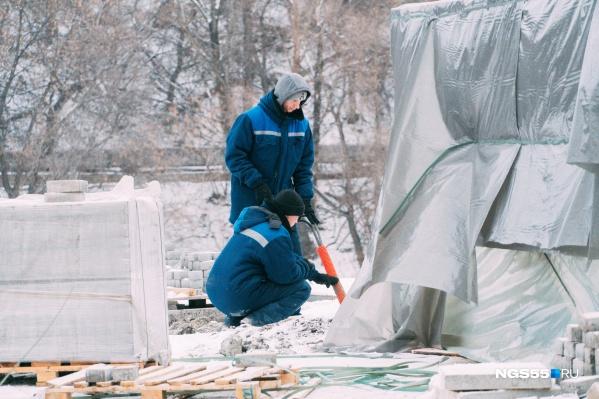 Эдуард Боев заявил, что, если разбирательства затянутся, в апреле работы в скверах не начнутся