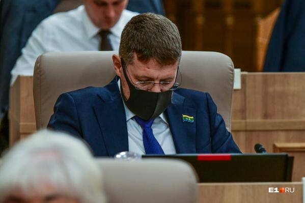 Дмитрий Николаев заработал более 65 миллионов рублей