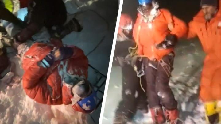 «Теряли сознание и тихо умирали». Видео спасательной операции с Эльбруса, где погибли пять человек