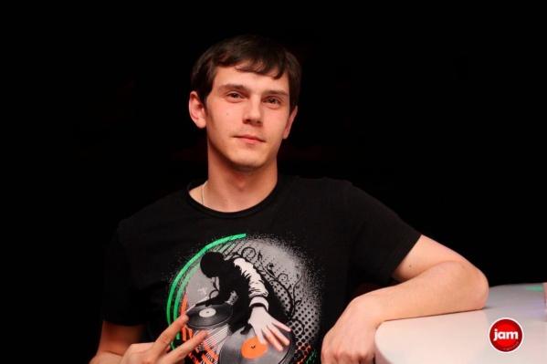 Алексей работал на радио