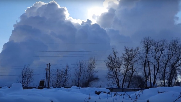 В Индустриальном районе Перми прорвало магистральный трубопровод и отключилось электричество