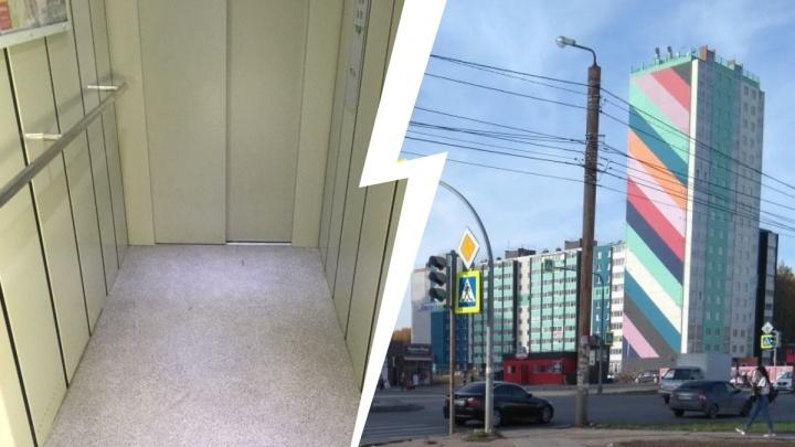 «Вспомнили все молитвы»: челябинка рассказала об обрушении лифта в высотке на Северо-Западе