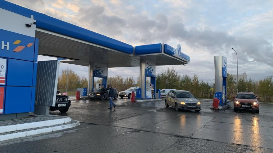 В Сургуте второй раз за неделю подорожает бензин