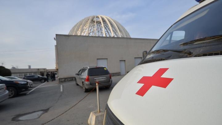 В Екатеринбурге сообщения о минировании поступили во все школы и больницы