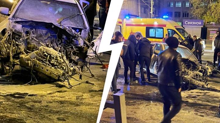 «Машина Uber — всмятку»: на Малышева произошло жесткое массовое ДТП