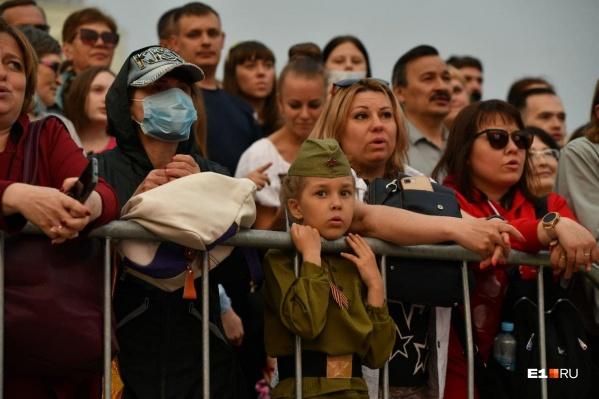 Множество людей собралось на концерте Елены Ваенги