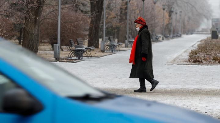 Прогноз неутешительный: дожди смоют новогоднее настроение, к 11 января Волгоград покроется льдом
