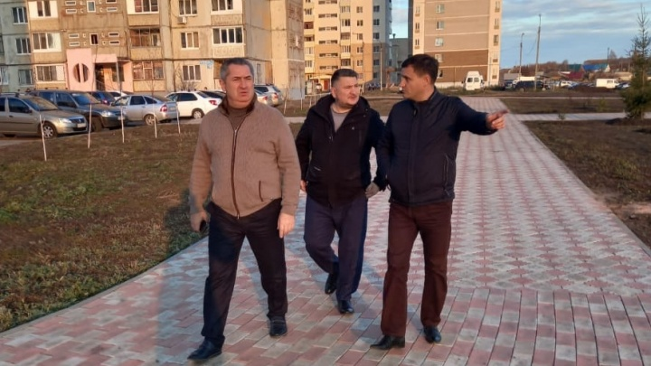 «Сквер разгильдяйства»: министр ЖКХ Башкирии посетил район, который хочет отделиться от Уфы