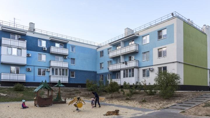 В Волгограде жителям разваливающейся новостройки в «Родниковой Долине» предложили переехать во временное жилье
