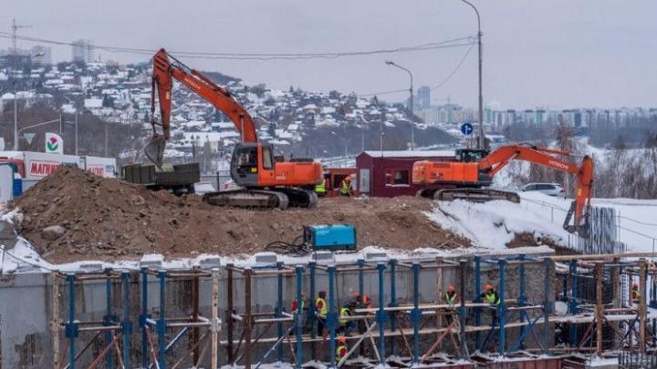 Метель, обильный снегопад и работа ночью: самое важное о реконструкции развязкиВалиди—Юлаева вУфе