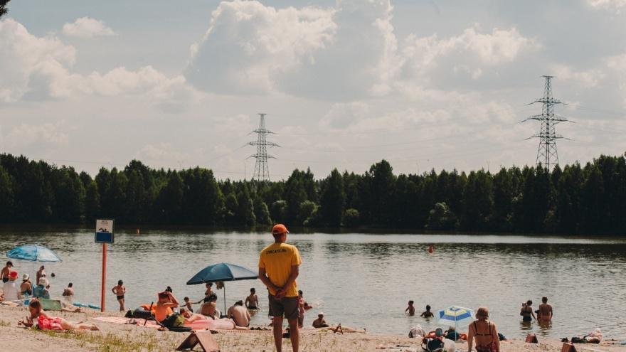 Медики боролись за жизнь полчаса: в пруду Лесном утонул мужчина