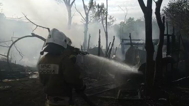 На острове Поджабном сгорел туристический городок