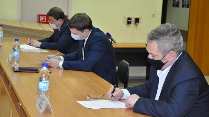 На конкурс главы Новодвинска допустили трех кандидатов. Среди них — действующий градоначальник