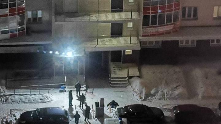 Две смерти за двое суток: в «Белых Росах» молодые люди выпали из окон