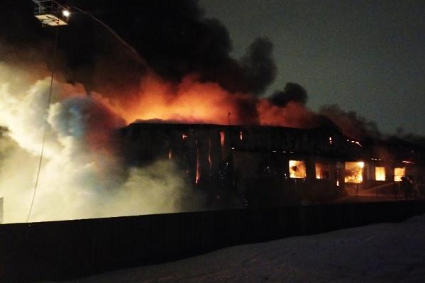 Рядом нет жилых домов, угрозы магнитогорцам пожар не представлял