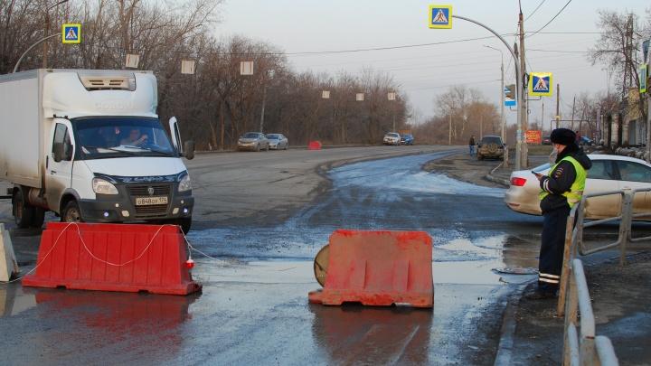 На улице Куйбышева, где образовались три гигантских провала, откроют движение транспорта