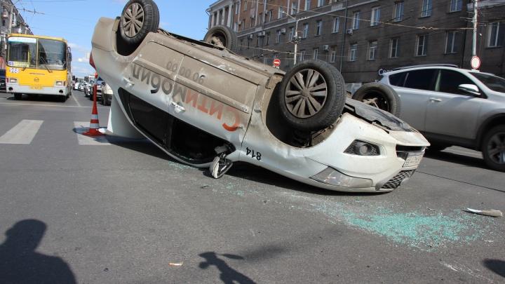 В Омске нашли 85 мест, где произошло больше всего аварий — отмечаем самые опасные на карте