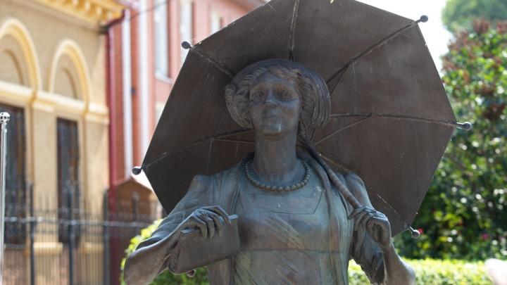 В Таганроге отреставрируют скульптуры Фаины Раневской и «Толстого и тонкого»