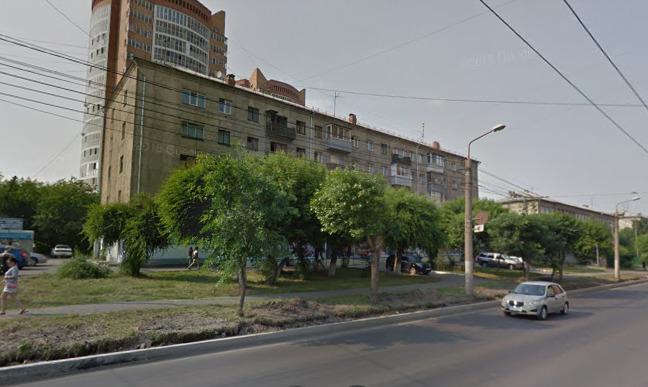 На Киренского бизнесмен хочет вырубить деревья перед жилым домом