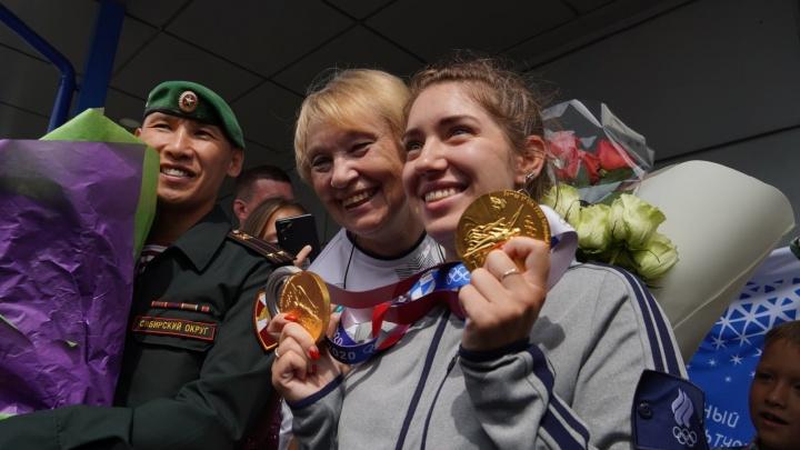 Мэр предложила присвоить Виталине Бацарашкиной звание почетного гражданина Омска