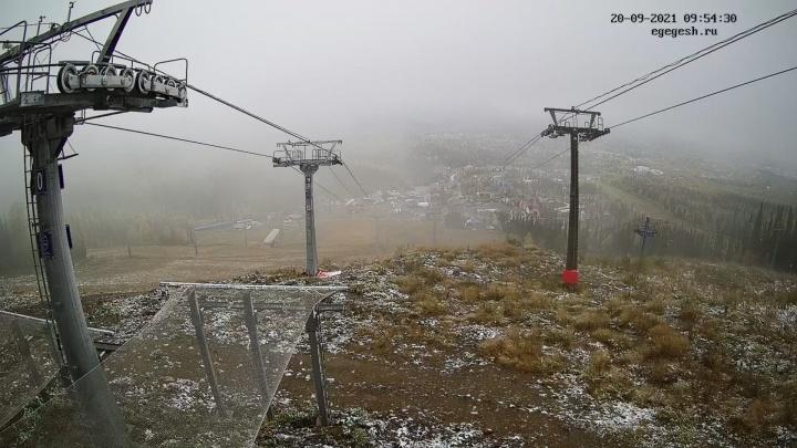 В Шерегеше снова выпал снег: синоптики рассказали, близко ли зима