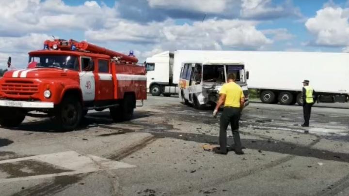 В Башкирии на водителя автобуса, попавшего в аварию, из-за которой пострадали дети, возбудили уголовное дело