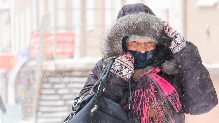 Роспотребнадзор рекомендует продлить коронавирусные ограничения в Омской области еще на месяц