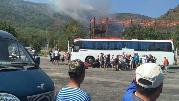 Детей, эвакуированных из лагеря из-за пожара в лесу под Магнитогорском, разместили на трех базах