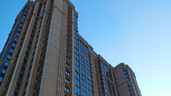 На Дмитрия Донского сдали 25-этажный дом с московской архитектурой: как он выглядит снаружи и внутри