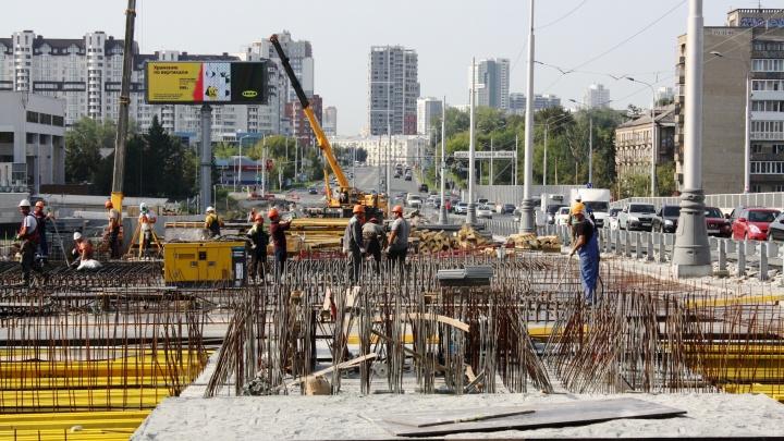 Весь октябрь дорожники будут перекрывать Макаровский мост