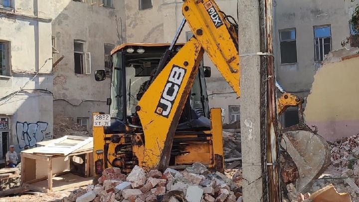 Ярославцы пожаловались на снос бывшей гостиницы «Царьград» в центре города