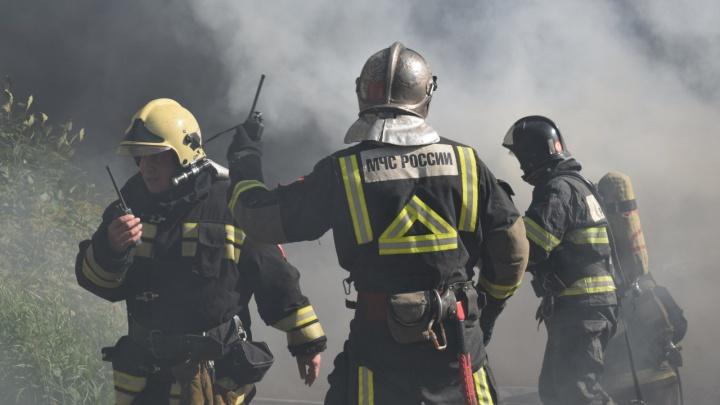 В центре Архангельска был крупный пожар у многоэтажки