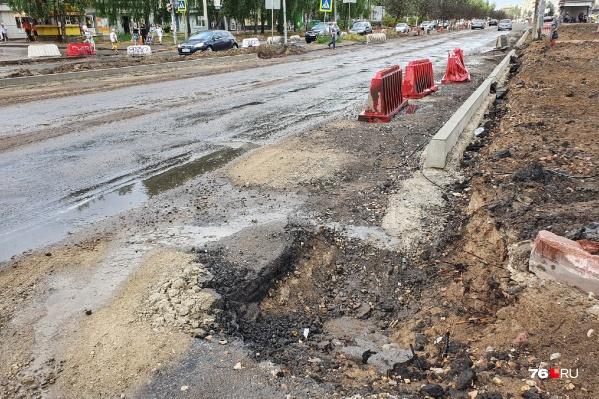 Ремонт проспекта Машиностроителей не завершат в срок