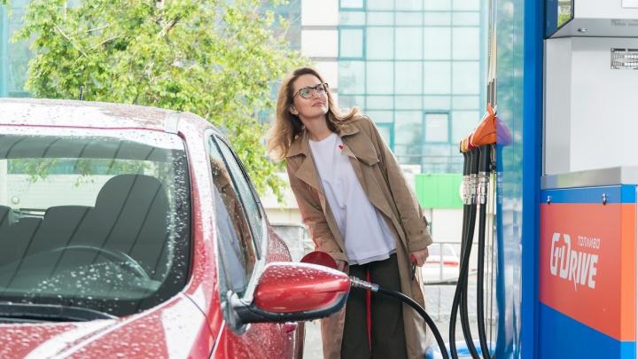 Где новосибирцы находят дешевый бензин и почему на заправках нет персонала