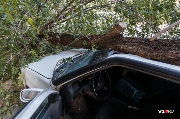 Владелец авто обратился за помощью к управляющей компании