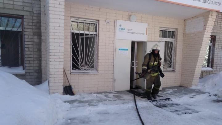 В Екатеринбурге в корпусе онкодиспансера произошел пожар