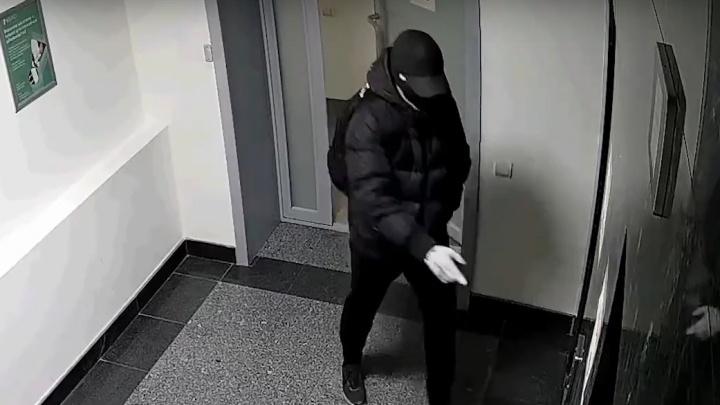 Прятали миллионы в пианино: нашли двух подозреваемых в ограблении банка в Архангельске