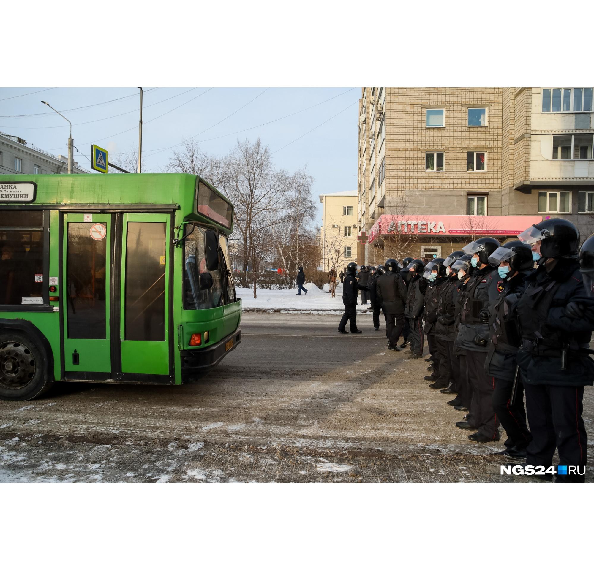 Водители автобусов в недоумении — их не пускают проехать дальше по Мира