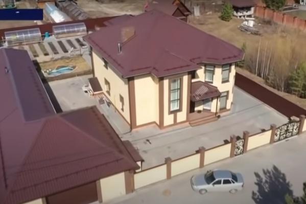 Такой дом при продаже может стоить больше 10 миллионов рублей