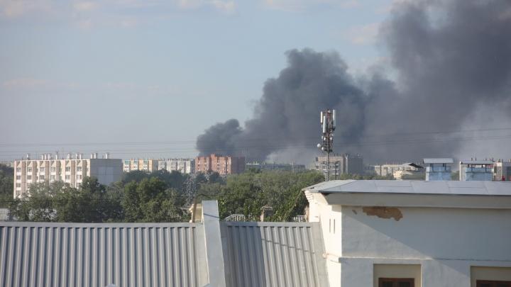 «Более 200 вызовов за сутки»: в Челябинске МЧС тушит сотни пожаров