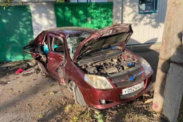 Пострадали водитель и пассажиры автомобиля