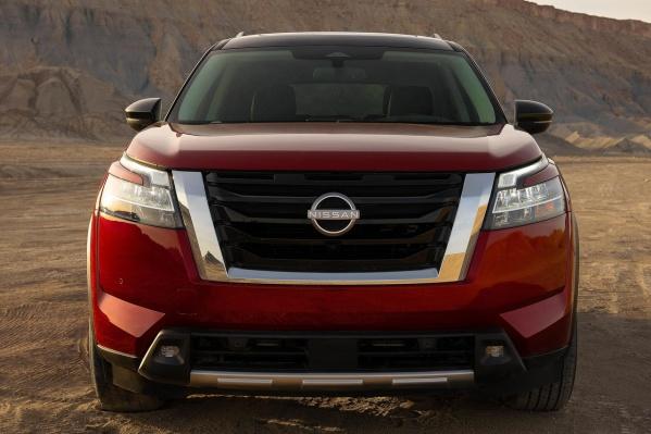 На заглавный снимок поставим Nissan Pathfinder, но это не значит, что проблема касается только его