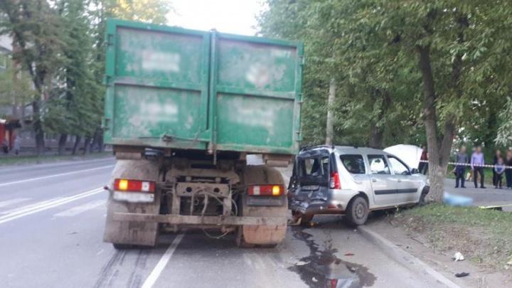 В Перми пешехода убило дорожным знаком, упавшим после ДТП