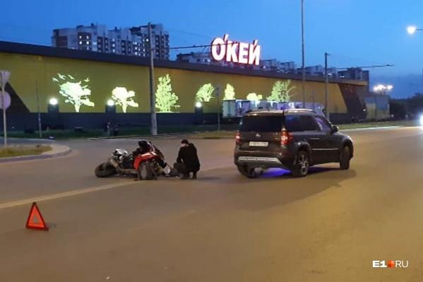 В аварии серьезно пострадала пассажирка мотоцикла
