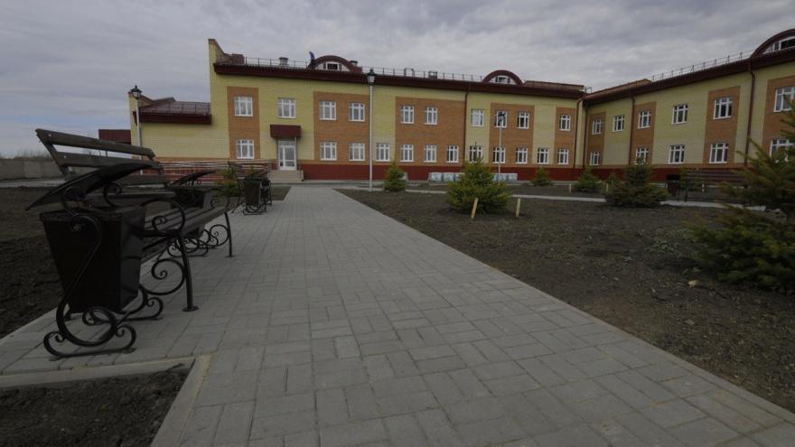В Омске закончили строительство интерната для инвалидов. В нем будут кинотеатр и балетные станки