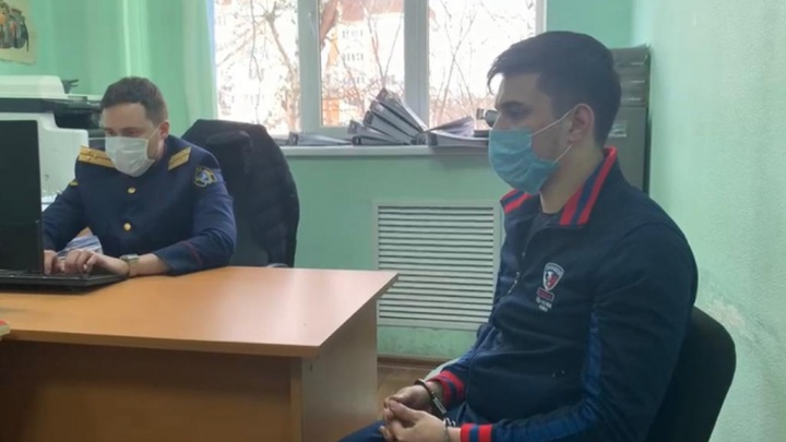 В Башкирии арестовали предполагаемого убийцу 21-летней девушки. Он нанес ей 12ножевых