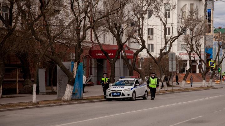 Полиция стягивает силы в центр Тюмени: силовики у Технопарка и правительства