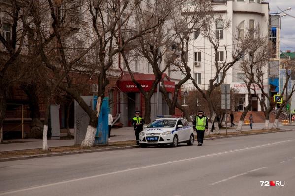 Сотрудники полиции замечены в центре Тюмени
