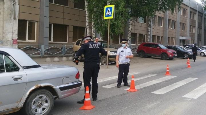 70-летний мужчина на «Волге» сбил подростка, который переходил дорогу у «Калины»